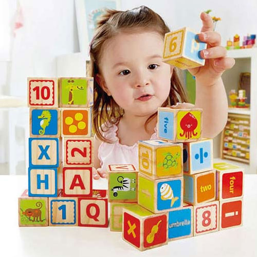 آموزش زبان به کودکان با بازی